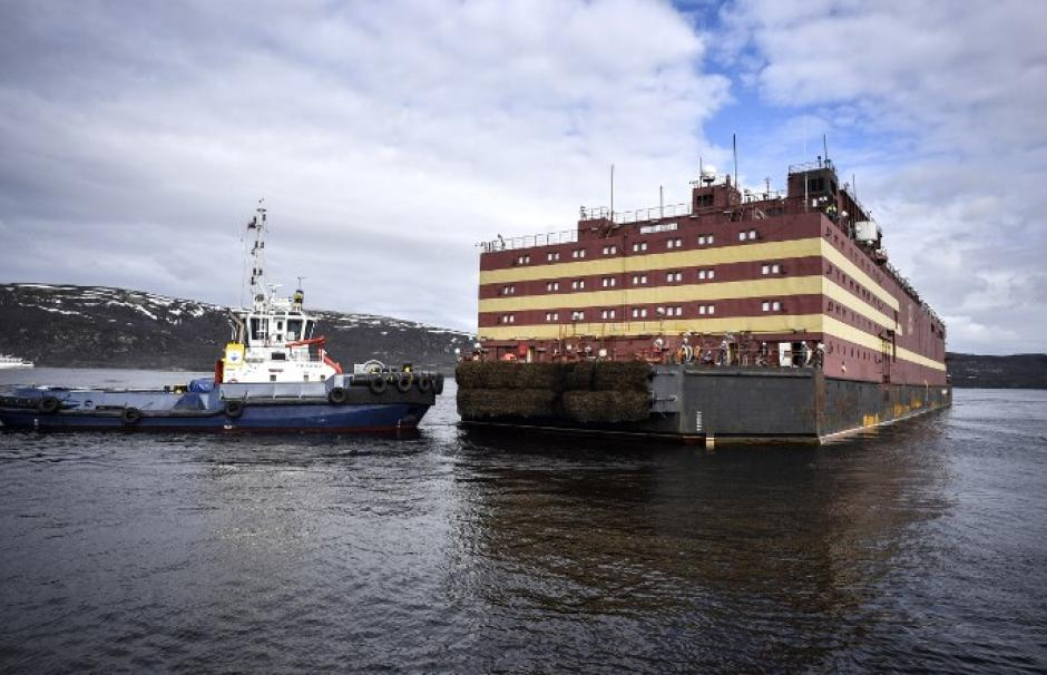 Image of the Akademik Lomonosov, a Russian ship with two nuclear reactors, moored in the port of Murmansk in May 2018.